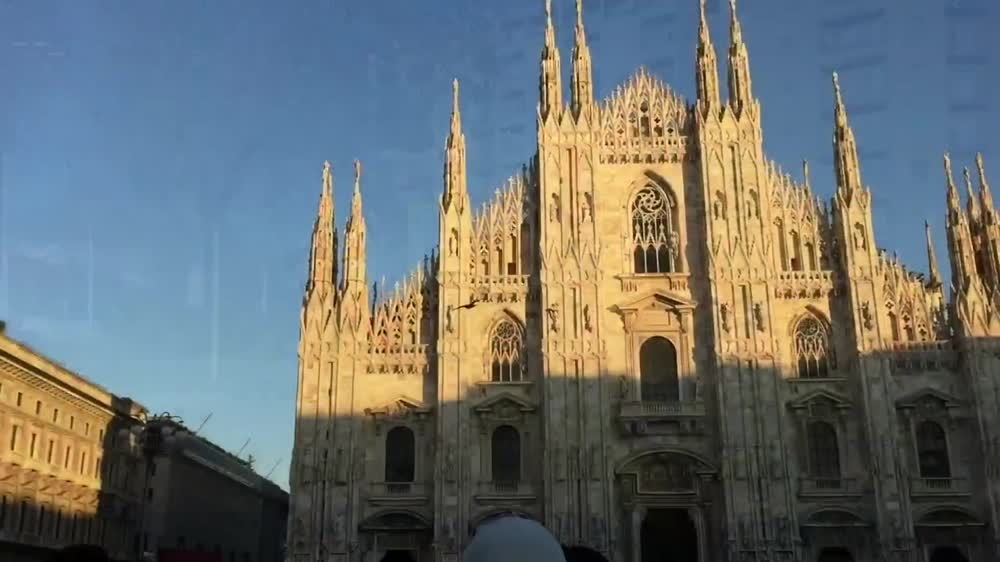 Discovering the world with Helen Etkina. Milan, Italy